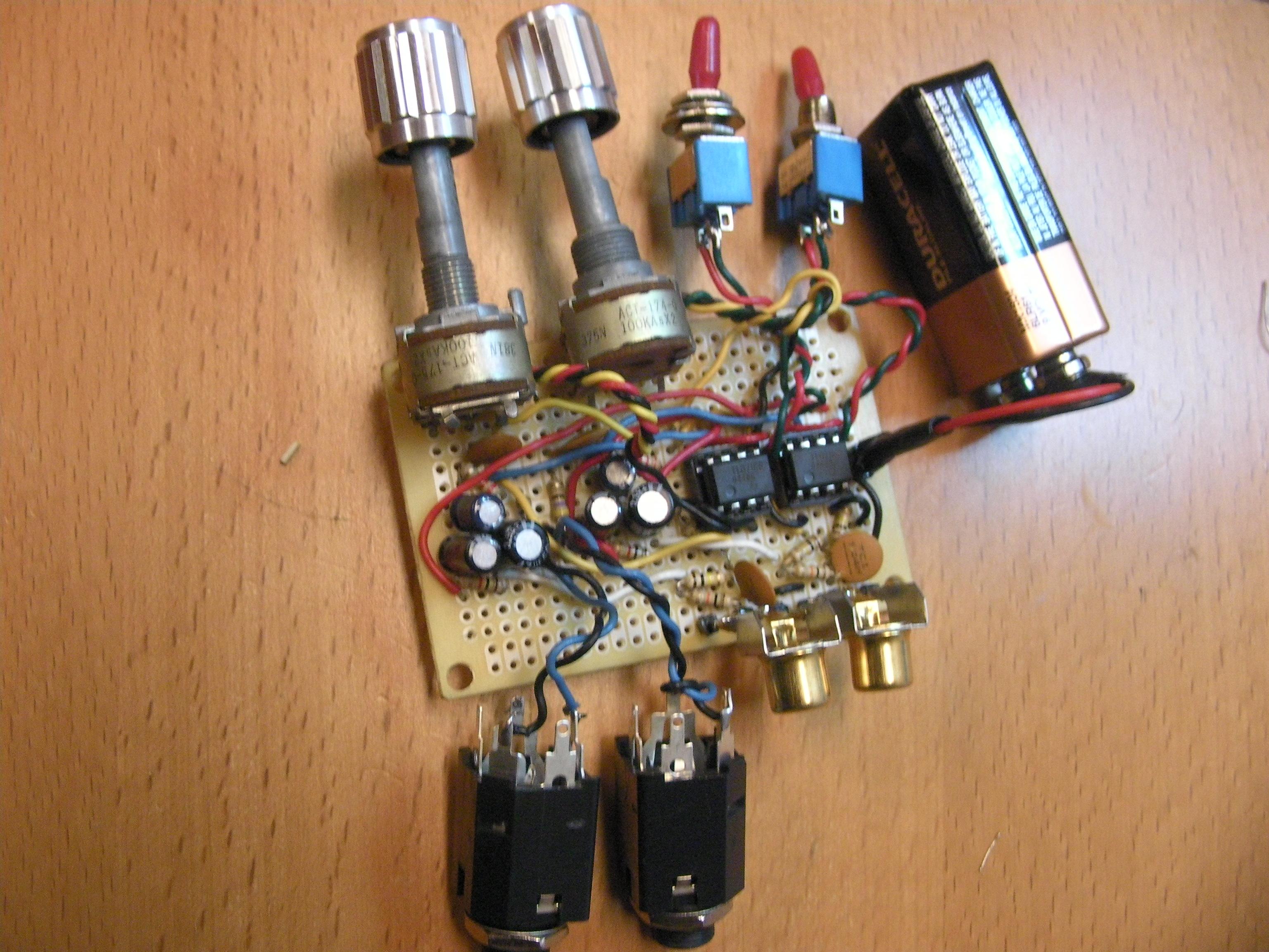Electret Preamp Circuit Dxarts University Of Washington Mic Preamplifier Low Noise Microphone Stelios Dual