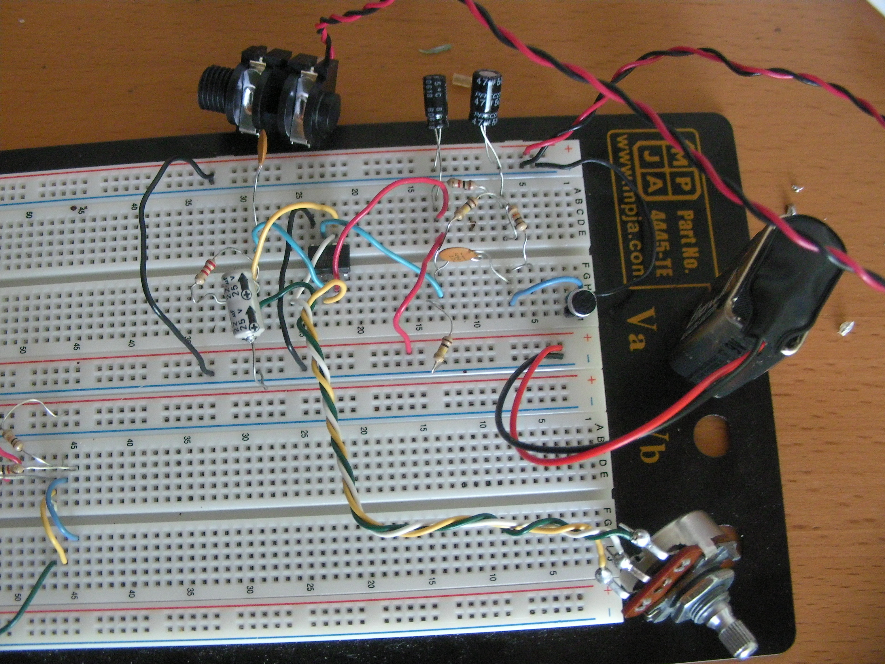 Electret Preamp Circuit Dxarts University Of Washington Small Microphone Preamplifier Wiring Diagrams These Could Be Helpful If Youre Trying The Out Stelios Dual