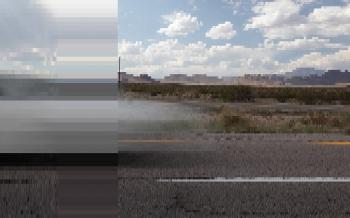 a still-cut from <on a Freeway>